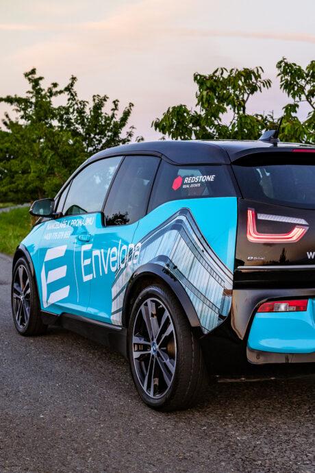 Elektromobil pro nájemce je připraven